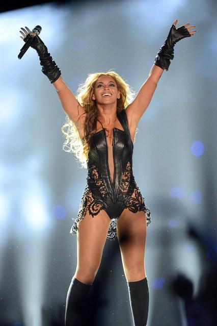 Beyonce02_V_4Feb13_pa_P_b_426x639