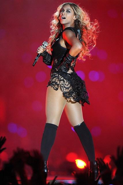 Beyonce_V_4Feb13_rex_P_b_426x639
